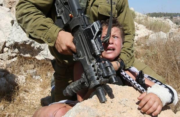 Tentara Israel Tangkap Bocah Palestina yang Gemparkan Dunia