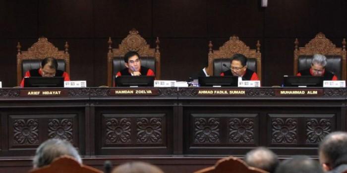 Ini Pertimbangan MK Menolak Seluruh Gugatan Prabowo-Hatta