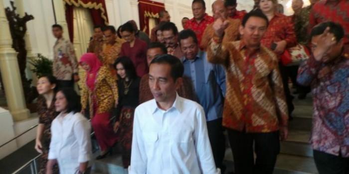 "Pagi-pagi, Jokowi Sudah Bikin Staf Istana ""Mandi Keringat"""