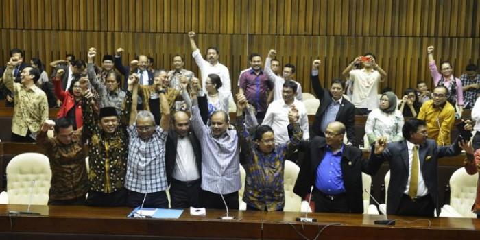 KMP dan KIH Desak Jokowi Ikut Campur Atasi Dualisme Parlemen