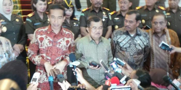 """Ketika Jusuf Kalla Jadi """"Pembantu"""" Wartawan..."""