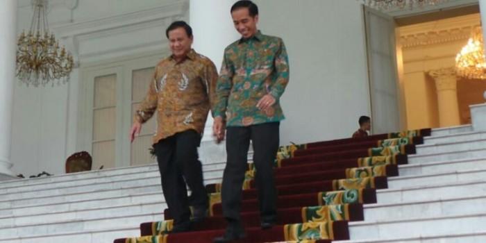 "Tatapan Prabowo dan ""Penghormatan"" Jokowi di Istana Bogor"
