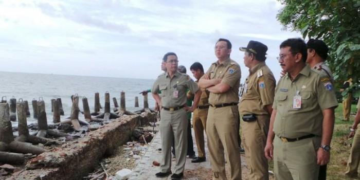 """""""Hadiah"""" Ahok untuk Mantan Bupati Kepulauan Seribu yang Akan Pensiun"""