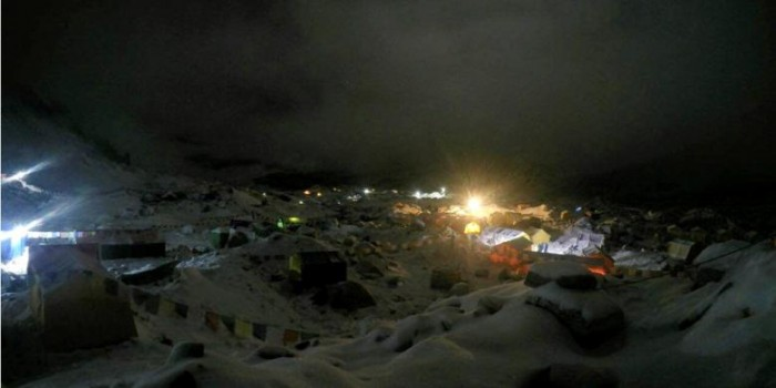 Foto-foto Longsor di Gunung Everest akibat Gempa 7,9 SR