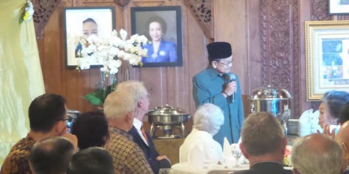 Kegetiran Habibie Mengenang Runtuhnya Industri Penerbangan Indonesia