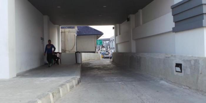 Bus Besar Tak Bisa Masuk Terminal Rawamangun, Ahok Geram ke Konsultan