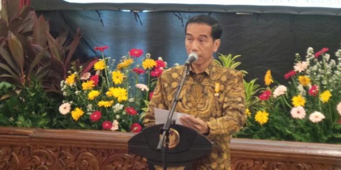 Jokowi: Kalau Masih Langgar Hukum, Langsung Gebuk Saja