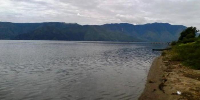 Satu Korban  Ditemukan Selamat, Mengapung di Danau Toba