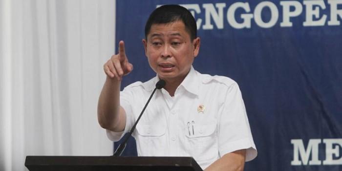 Jonan Ancam Cabut Izin Rute Lion Air dan Garuda Indonesia