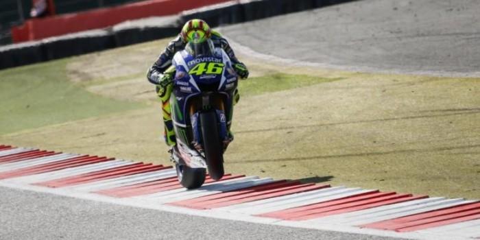 Rossi Raih Gelar Perdana di Silverstone dan Pimpin Klasemen Lagi