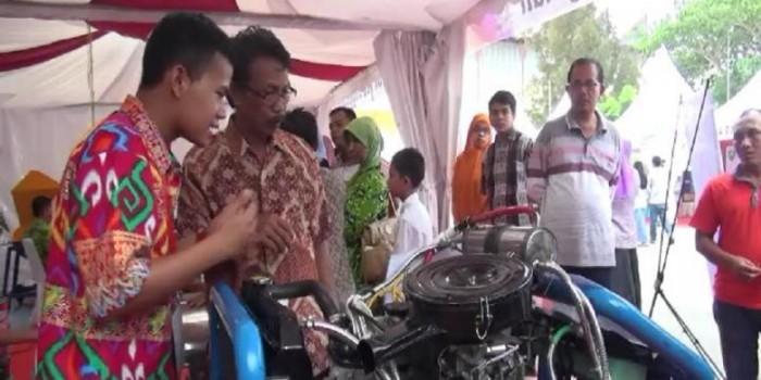 Bikin Mesin Pengirit BBM, Anak Petani Ini Sabet Juara Nasional Kompetisi TTG