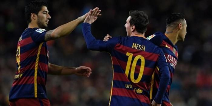 """""""Kegagalan"""" Penalti Messi Warnai Kemenangan Telak Barcelona"""