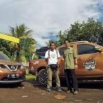 Nissan Navara Tembus Bahaya Longsor di Trans Flores