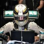 Giliran Hamilton yang Bawa Mercedes Jadi Penguasa