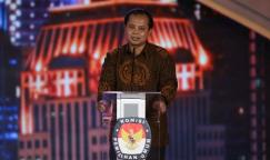 Ketua Komisi Pemilihan Umum Provinsi DKI Jakarta Sumarno dalam debat cagub-cawagub di Hotel Bidakara, Jakarta Selatan, Jumat (10/2/2017).